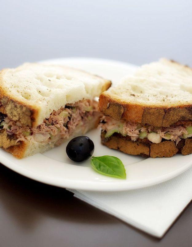 Un club sandwich en tongs, c'est possible