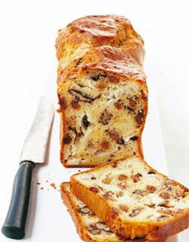 Cake chèvre-noix-raisins