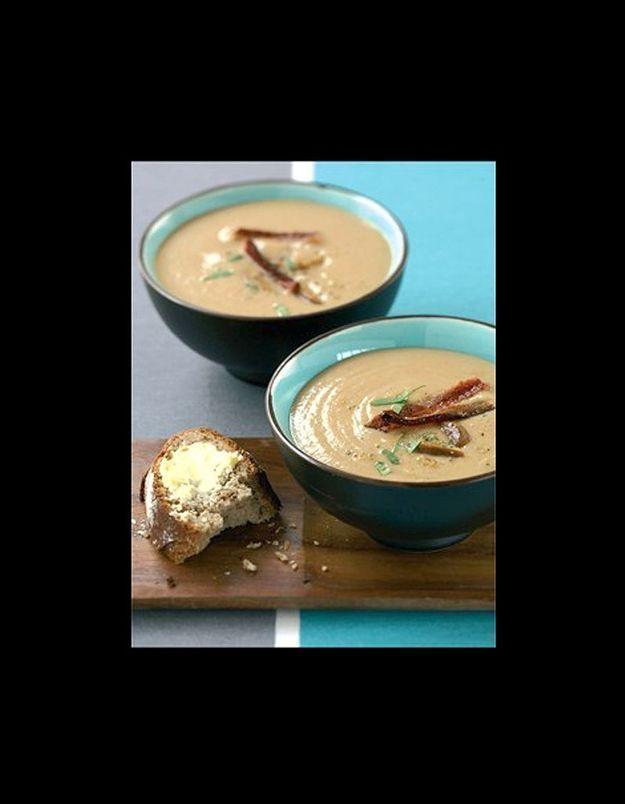 Soupe de châtaignes au lard croustillant