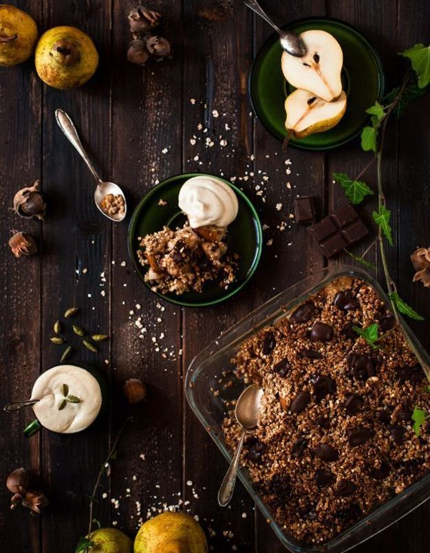 Crumble poire et chocolat vegan et sans gluten