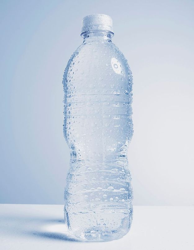 Les bouteilles d'eau en plastique