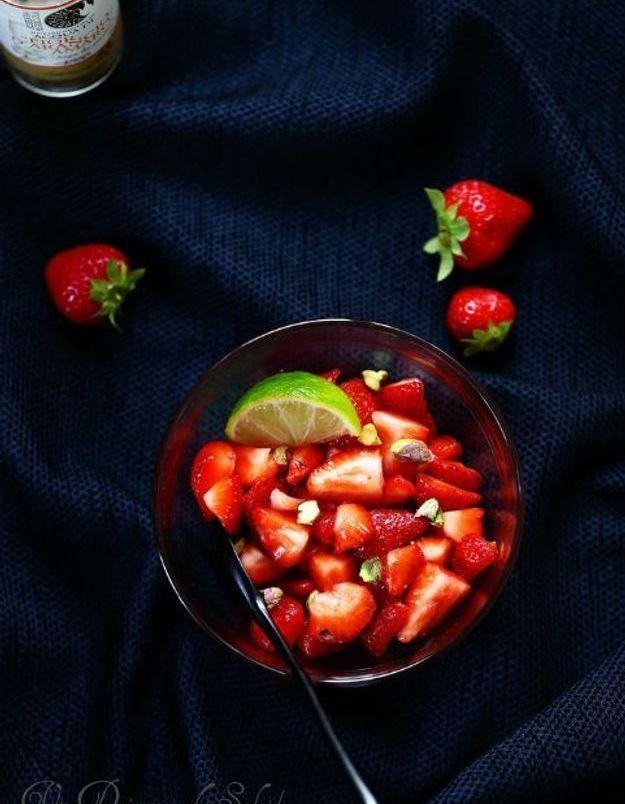 Plateau cuisine française : salade de fraises