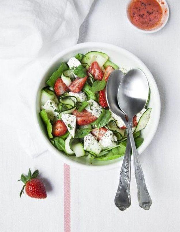 Salade fraises, courgettes, feta