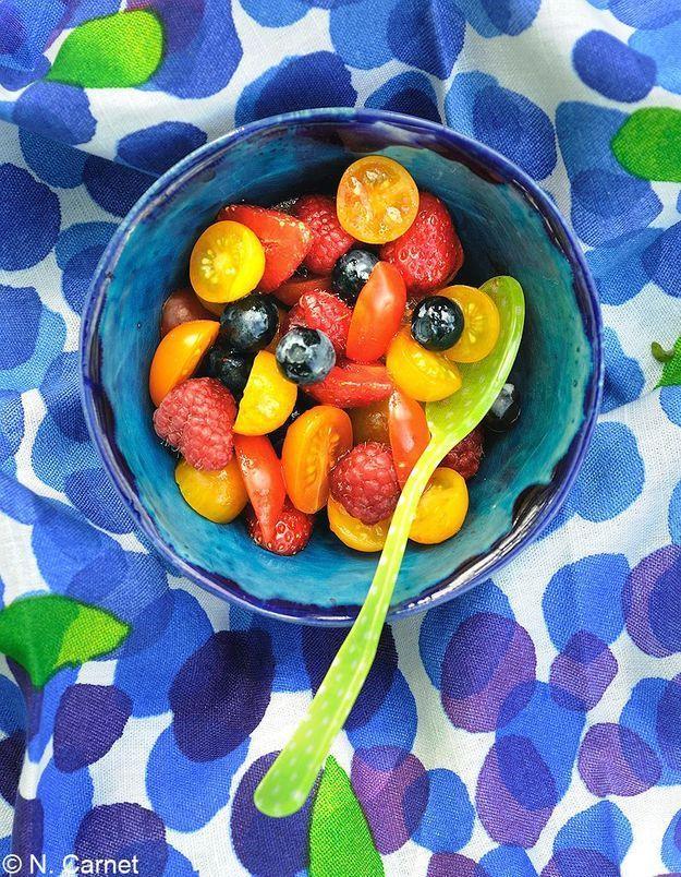 Salade de tomates aux fruits rouges