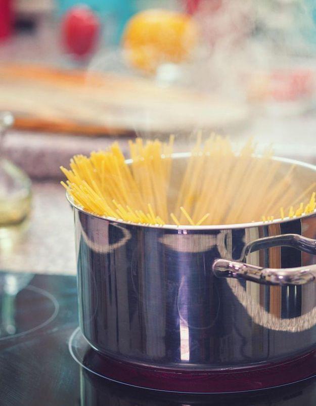 Faut-il cuire ses pâtes à l'eau froide ou à l'eau bouillante ?