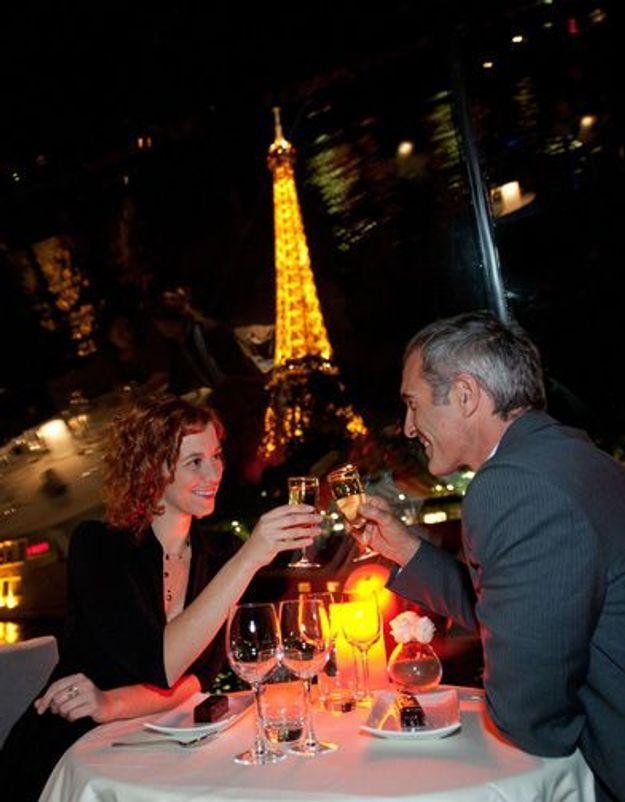 Minuit sous la Tour Eiffel