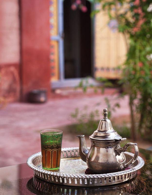 Secrets d'initié : comment préparer du thé à la menthe comme au Maroc ?