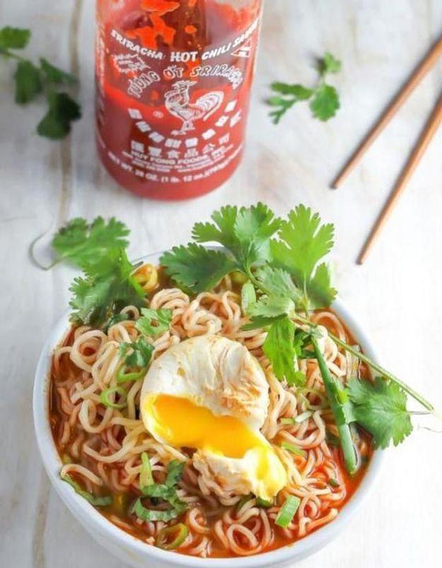 Pourquoi vous allez craquer sur le Sriracha, le ketchup asiatique qui affole les américains