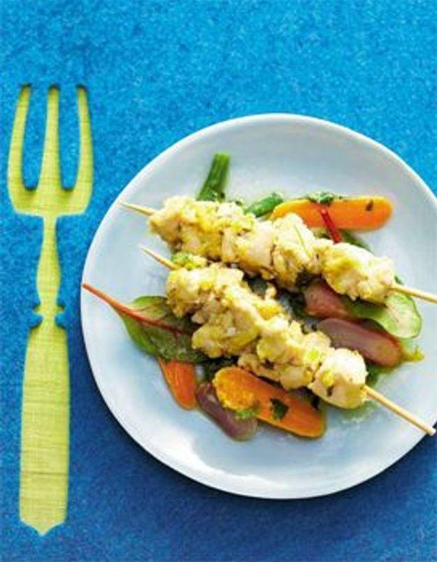 Brochettes de poulet et petits légumes