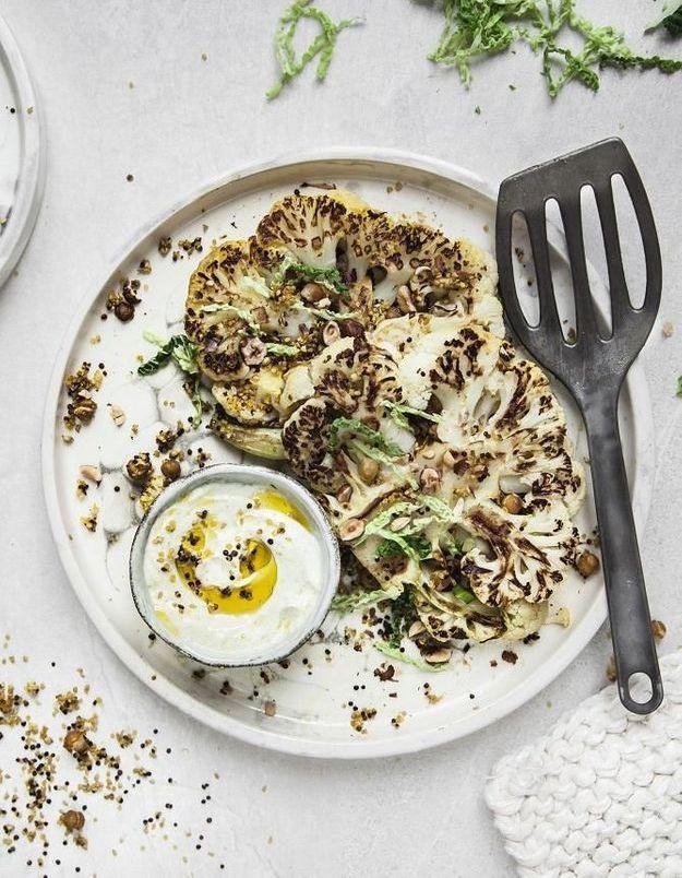 Chou-fleur au curry, croustillant de pois chiches et quinoa