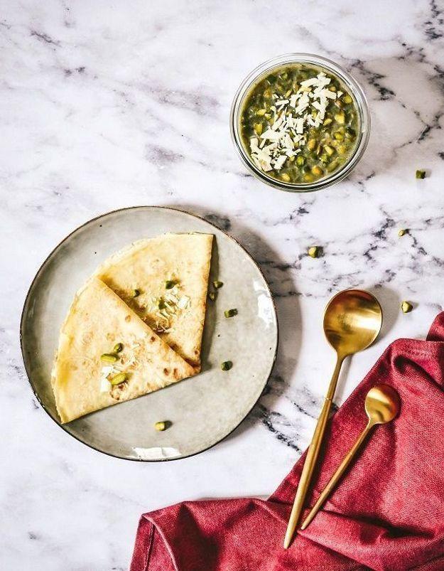 Crêpes fleur d'oranger, pâte à tartiner chocolat blanc pistache