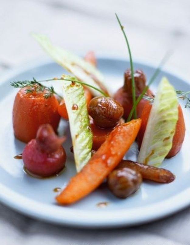 Fricassée de légumes d'hiver colorés, miel aux épices et café