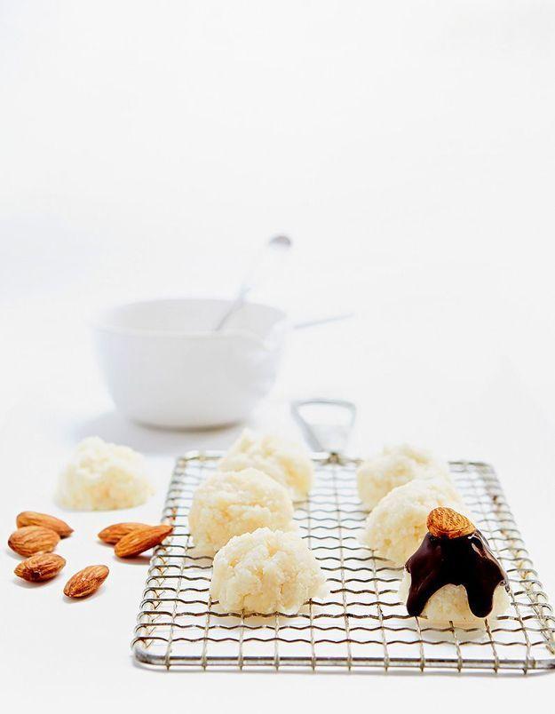 Macarons noix de coco, amandes et chocolat