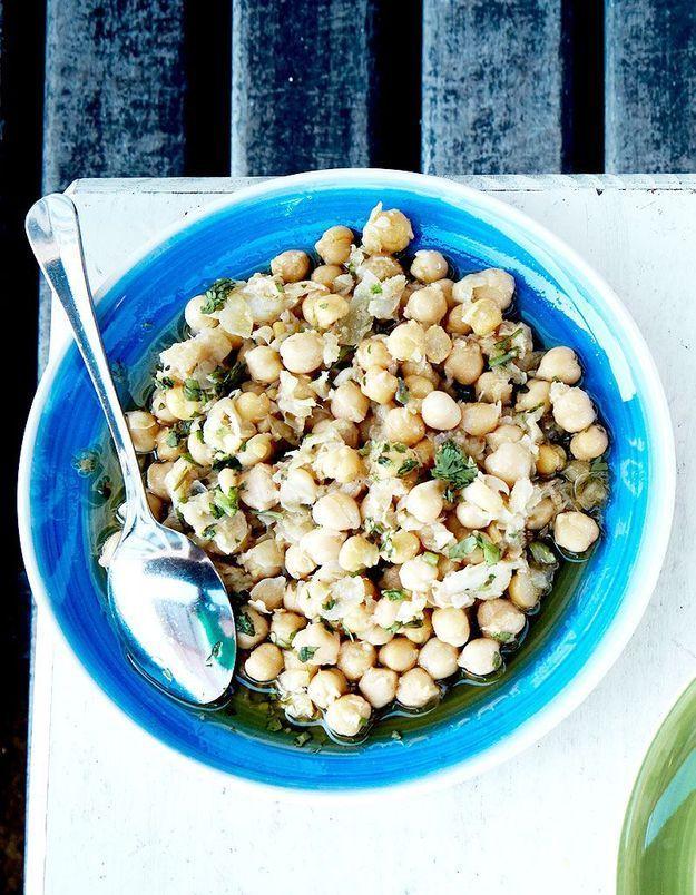 Salade de pois chiches à la morue et coriandre