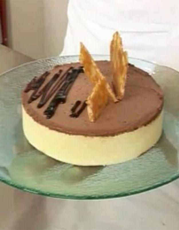 [VIDEO] L'atelier des Chefs : charlotte poire-chocolat aux éclats de nougatine