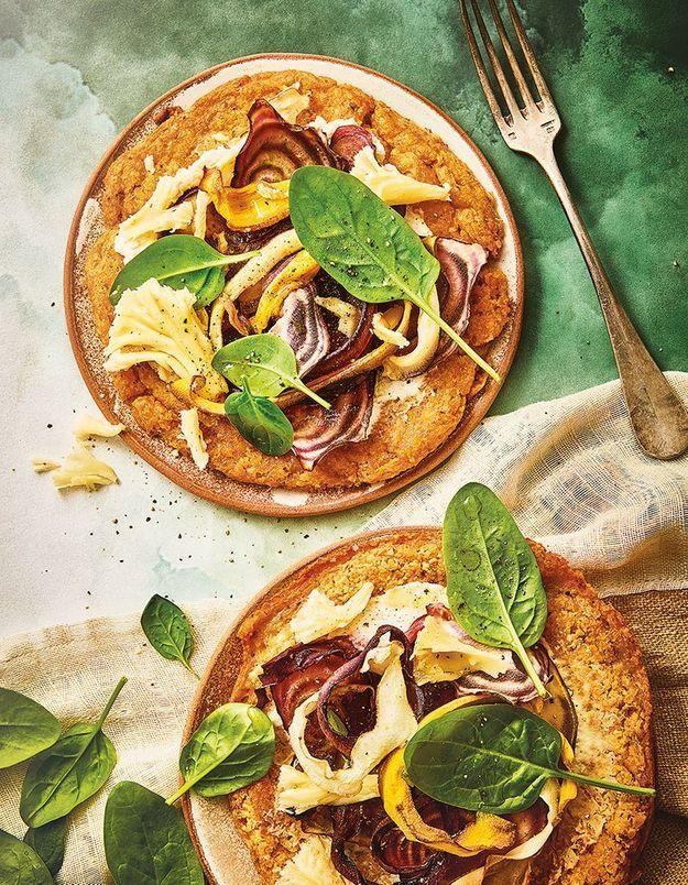 Pizza de galette de lentilles aux carottes, betteraves et ricotta