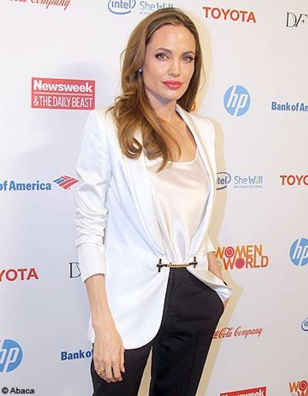 Angelina Jolie dans la peau de Kate Middleton ?