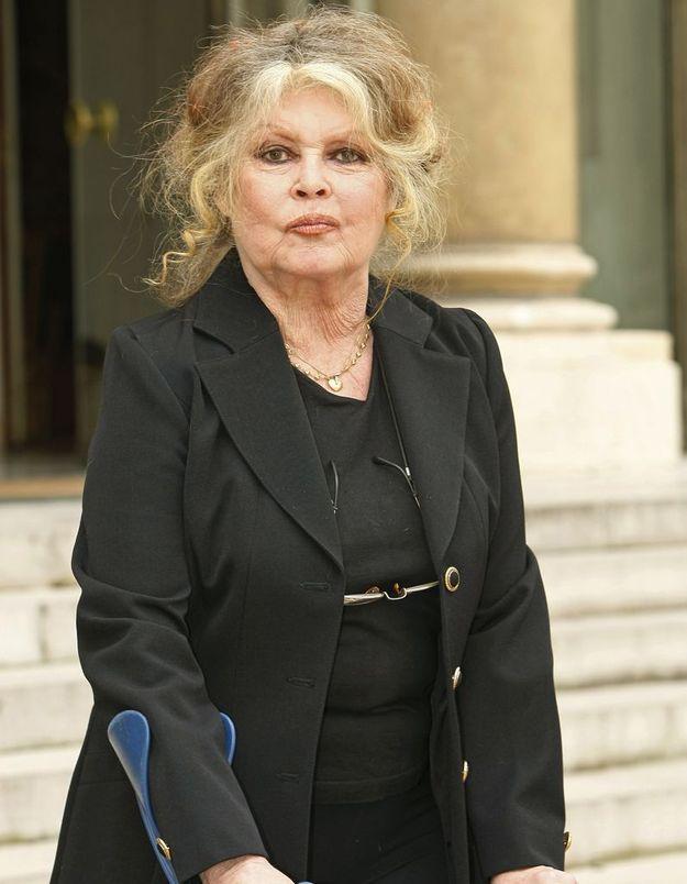 Brigitte Bardot clashe le cinéma français et ses « actrices aux cheveux gras, qui se font violer dans les coins »
