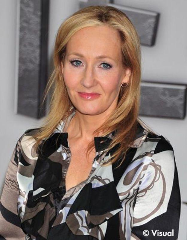 JK Rowling planche sur un livre pour adultes