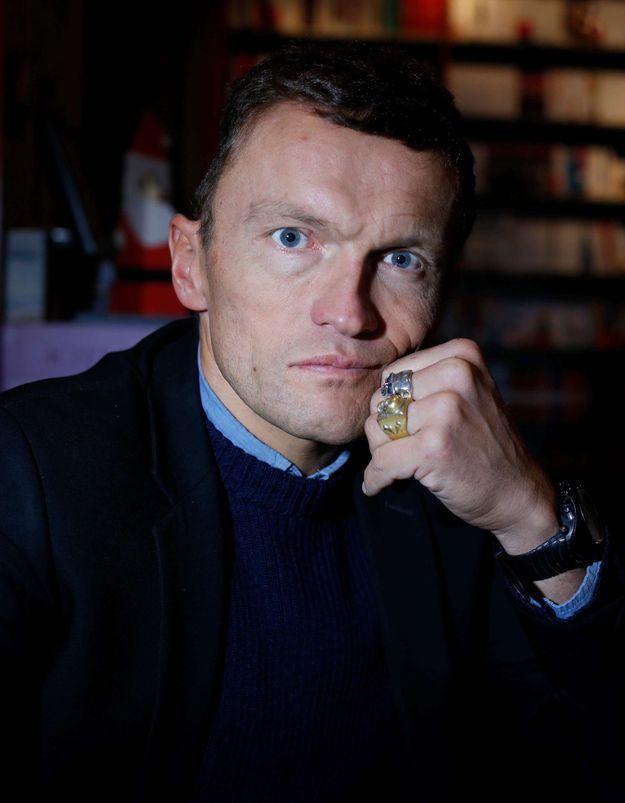 Reconfinement : l'initiative de l'écrivain Sylvain Tesson pour secourir les librairies