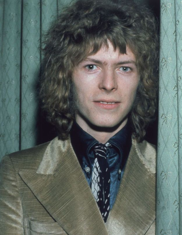 Bowie bouclé
