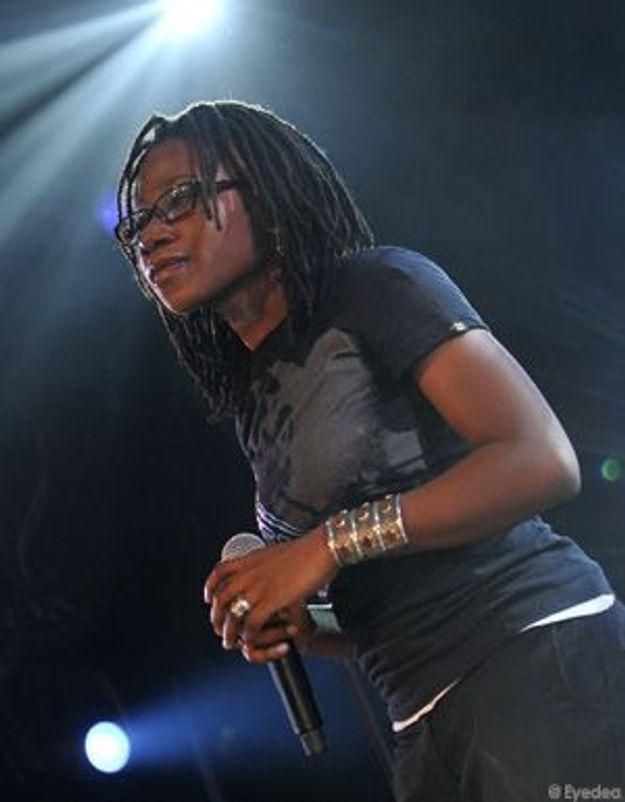 La chanteuse Asa reçoit le Prix Constantin