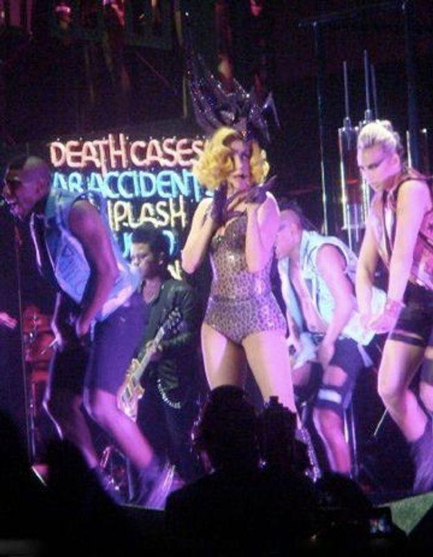 Lady Gaga à Bercy : la fanatique contre la sceptique
