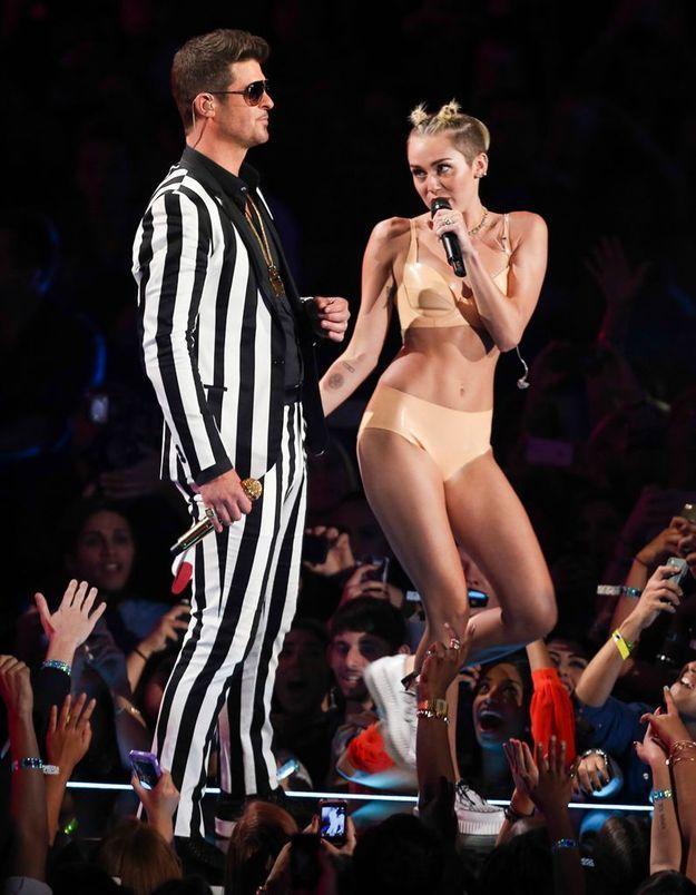 MTV EMA: Robin Thicke de retour, pas loin de Miley Cyrus!