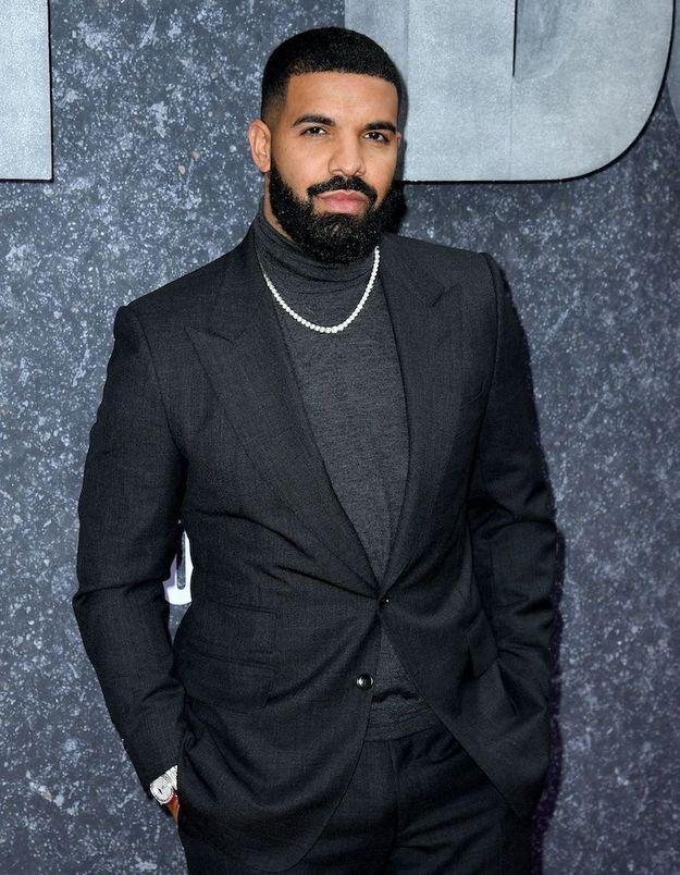 Surprise : Drake a sorti une mixtape de 14 titres