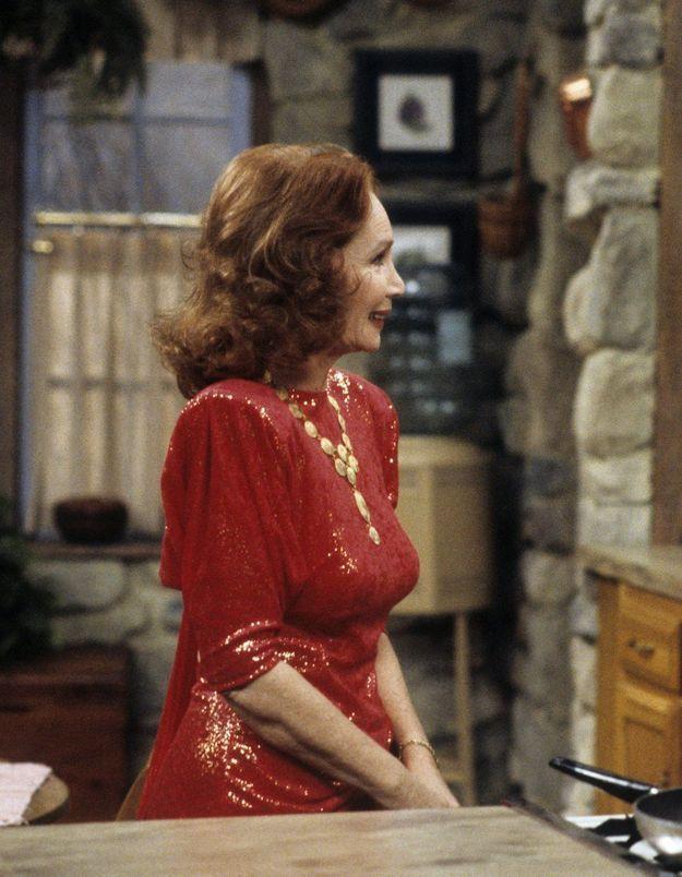 Madame est servie : Mona Robinson, ou les prémices de la sexualité des femmes de 50 ans dans les séries