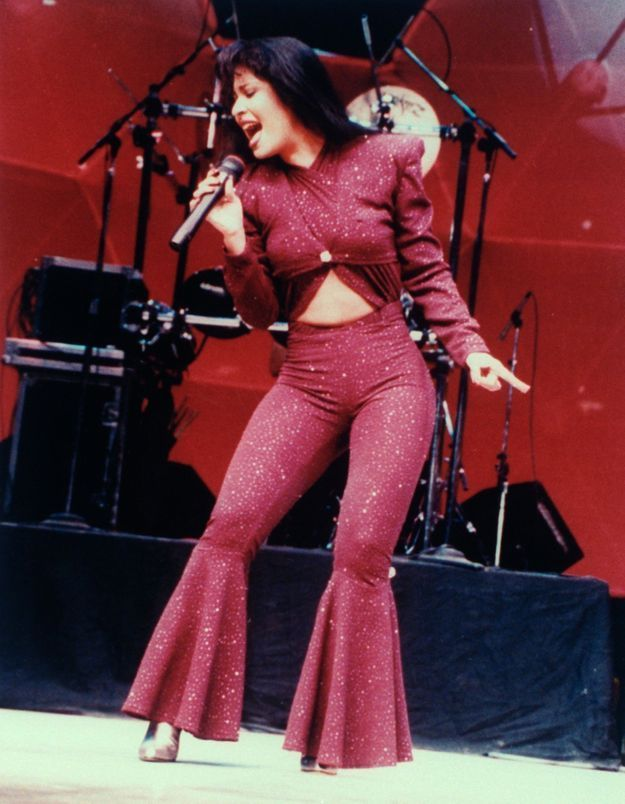 Selena, la série : qui était Selena Quintanilla, la chanteuse assassinée au cœur de la série Netflix ?
