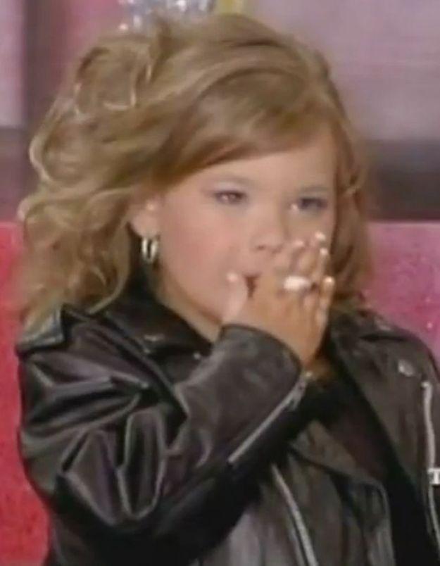 USA : A 4 ans, elle fume pour un concours de mini-miss