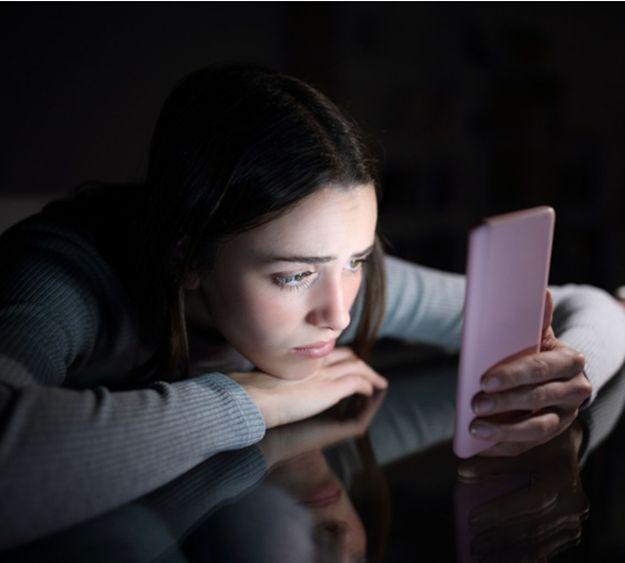 Réseaux sociaux : la rupture amoureuse impossible