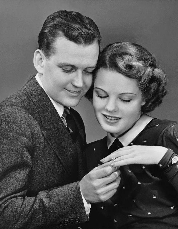 Les Anglaises prêtes à s'acheter leurs bagues de fiançailles