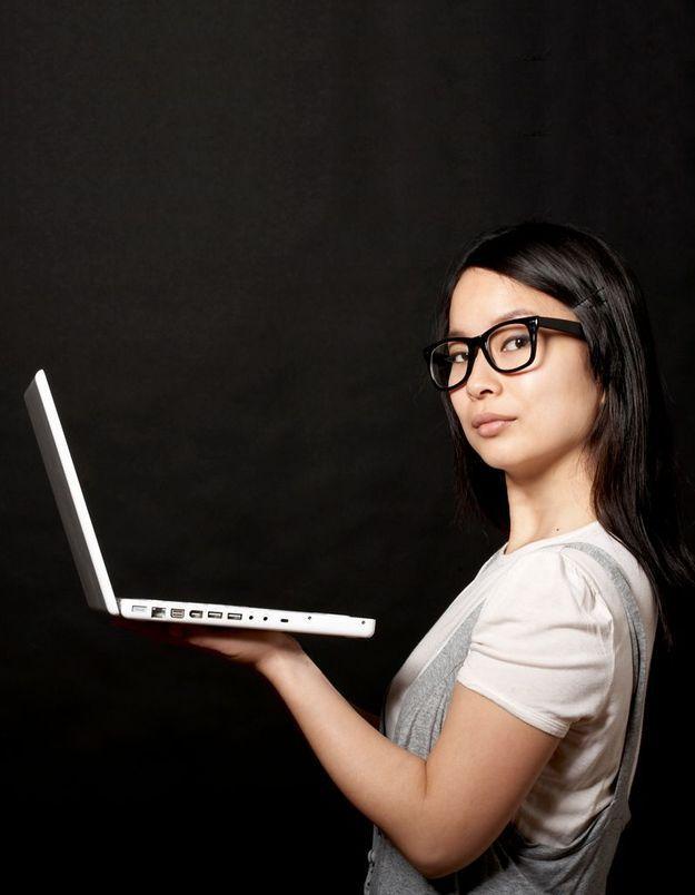 Spotted : la drague anonyme sur Facebook fait un carton
