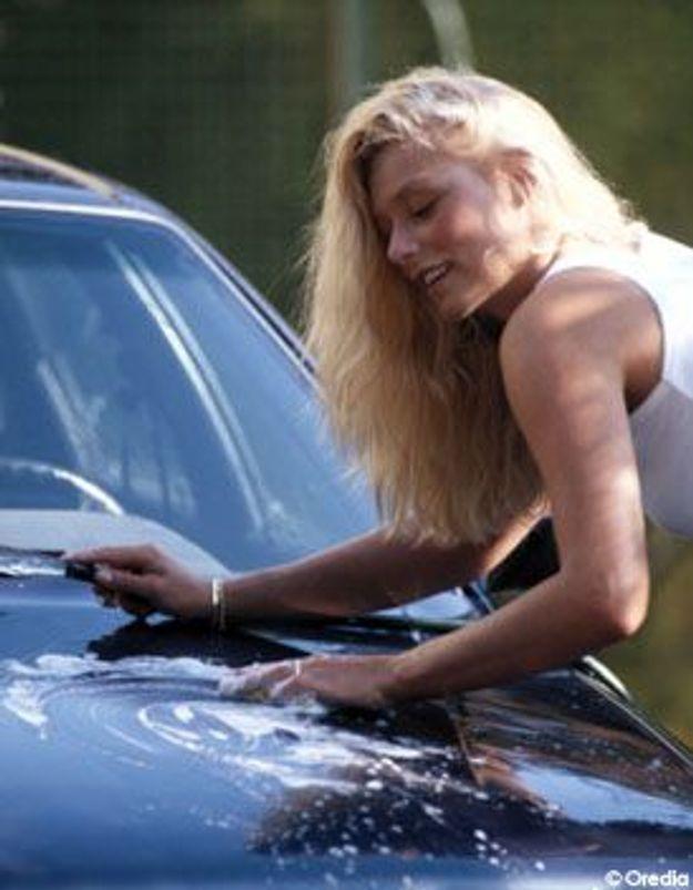 Australie : strip-tease et lavage auto