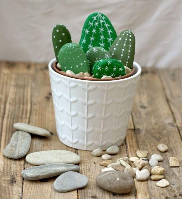 Cadeau fête des mères à faire soi-même : un cactus trompe l'œil