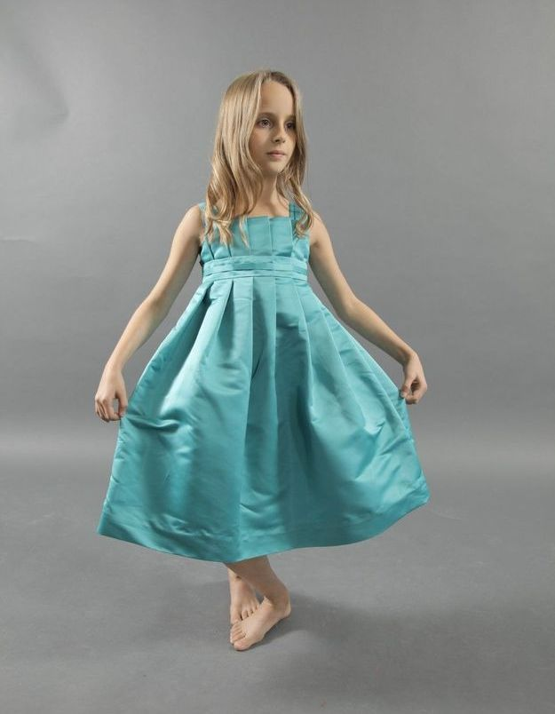 Robes de cortèges colorées et légères pour enfants - Andrée Laccruche