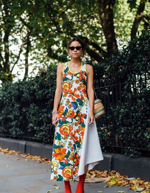 Une robe d'été + des bottines colorées