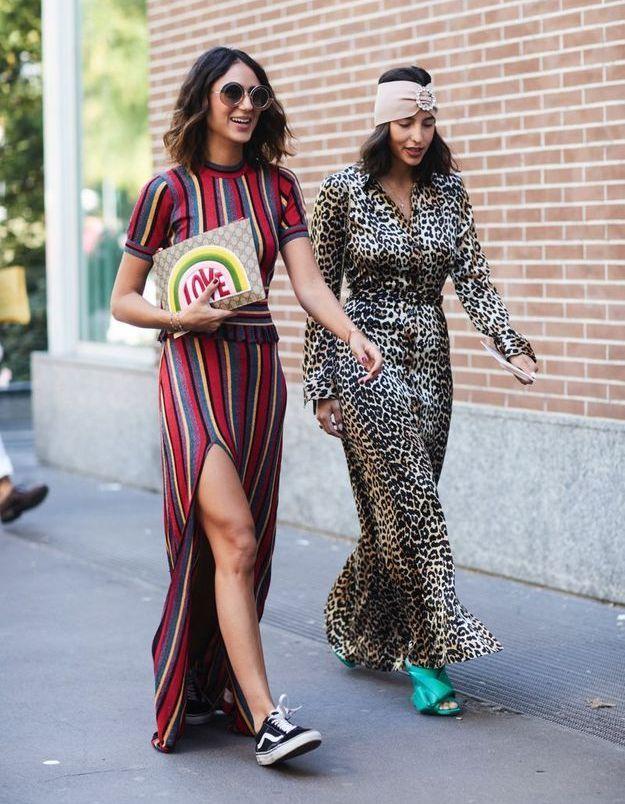 Une robe très longue + des baskets