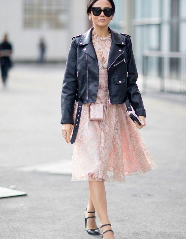 Une robe babydool + une veste de motard
