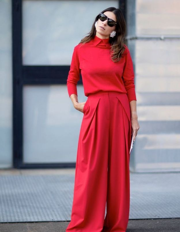 Un total look rouge coquelicot