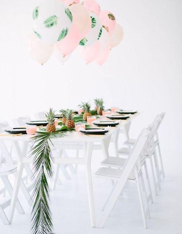 Décoration de table de mariage tropicale