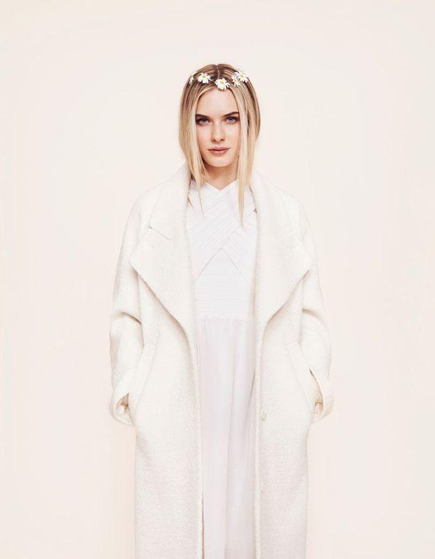 Robe de mariée et manteau blanc Carven chez Maria Luisa Mariage