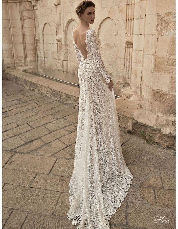 Robe de mariée dentelle avec traîne