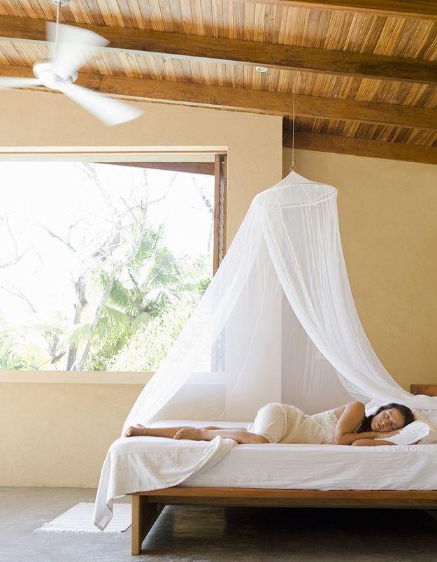 Canicule : comment dormir et s'habiller sans transpirer ?