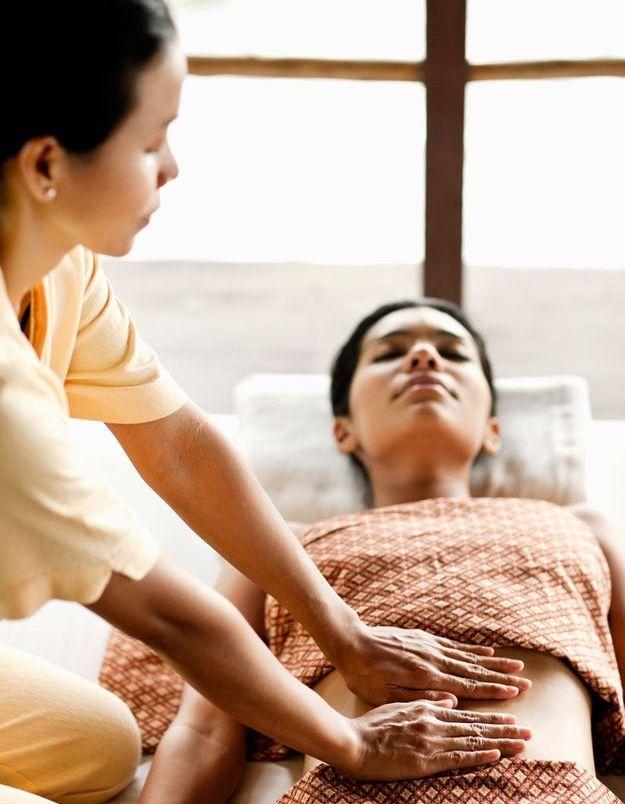 Se masser le ventre - 13 conseils (qui marchent) pour