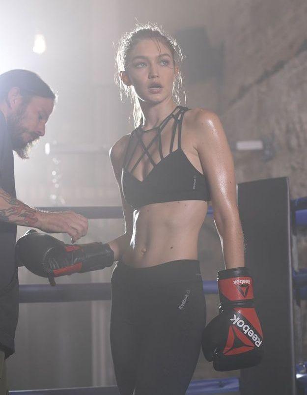 Gigi Hadid sur le ring pour Reebok