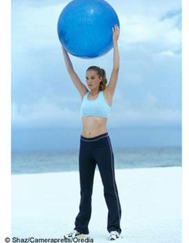 Puis-je vraiment changer de silhouette en pratiquant une gym douce comme le Swiss Ball ?