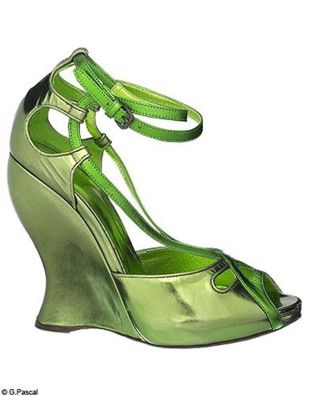 Mode guide shoping tendance look cuir scarabee sandales bottega veneta